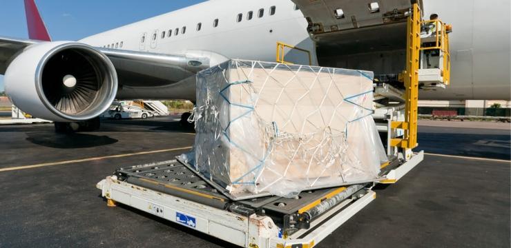 Entenda as vantagens e desvantagens dos transportes aéreos de carga