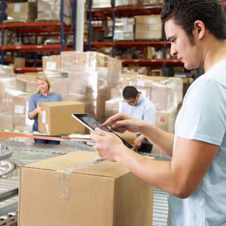 Como a sua empresa gerencia o controle de estoque?