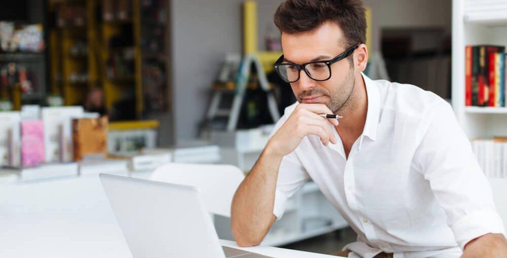 Qual a importância do monitoramento de fornecedores?